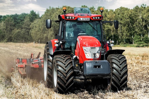 McCormick X7.4-X7.6 P6 Drive Series Tractor